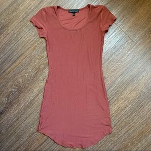 ☆ Pottery Red Short Form Fitting Dress